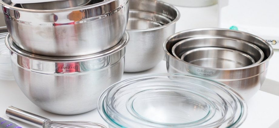 Different Types Of Mixing Bowls To Finish Your Culinary Creations